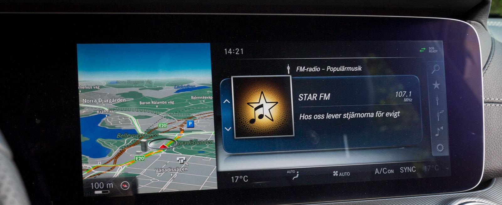 Mercedes har testets bästa mediesystem. Det är både innehållsrikt och lekande lätt att sköta, antingen via mittkonsolens reglage eller via rattens touch-knappar.