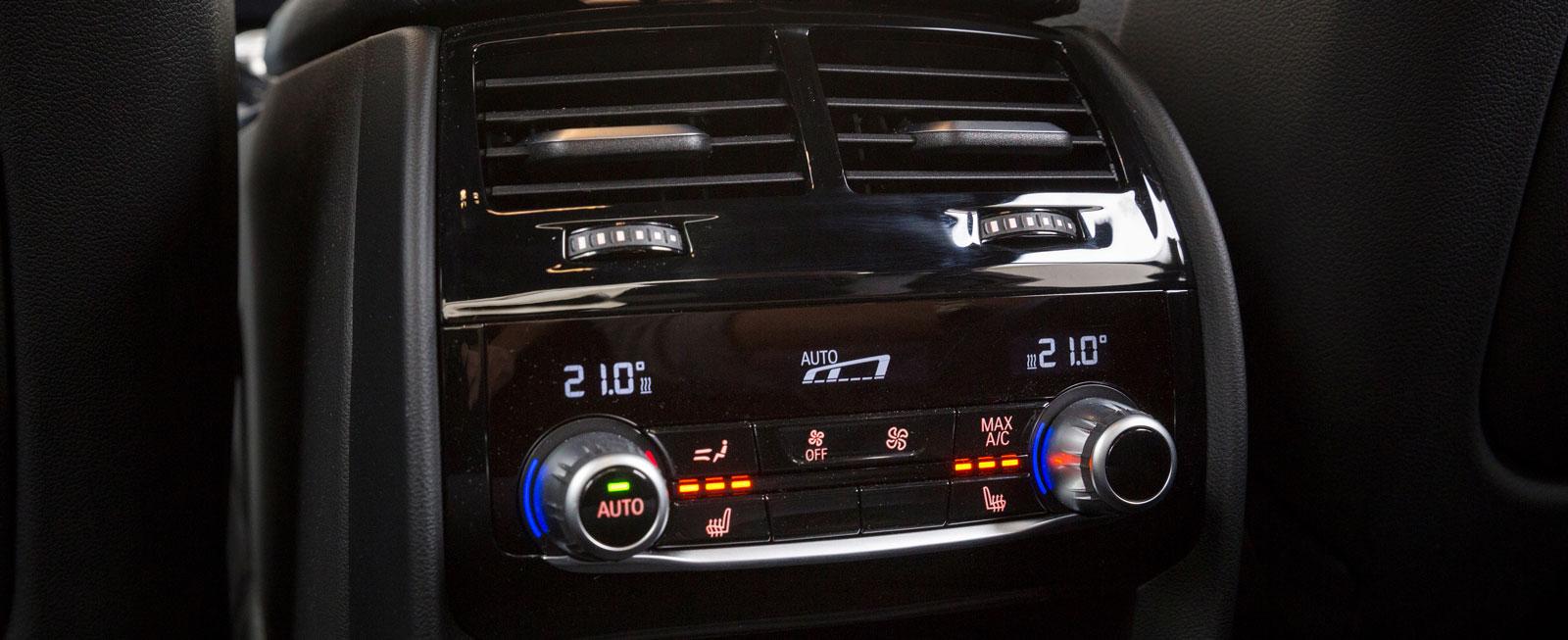 En egen klimatanläggning och stolsvärme för baksätespassagerarna finns på BMW:s tillvalslista och kostar 8000 kronor extra.