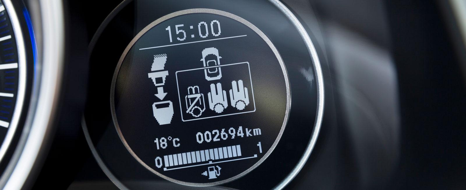 Honda har tydlig bältesinformation i färddatorfönstret.
