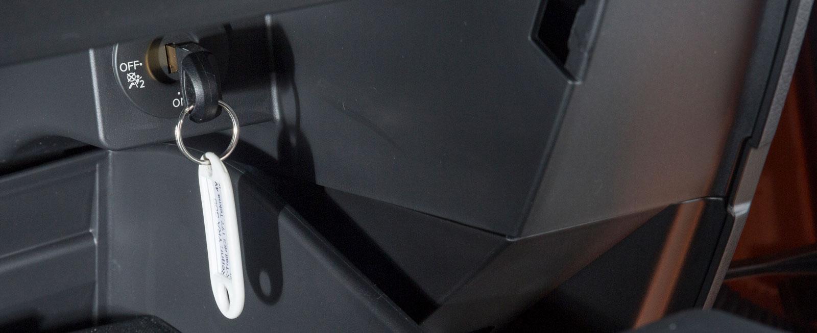 Som i Nissan (bilden) och Renault bör det se ut – nyckelavstängning.