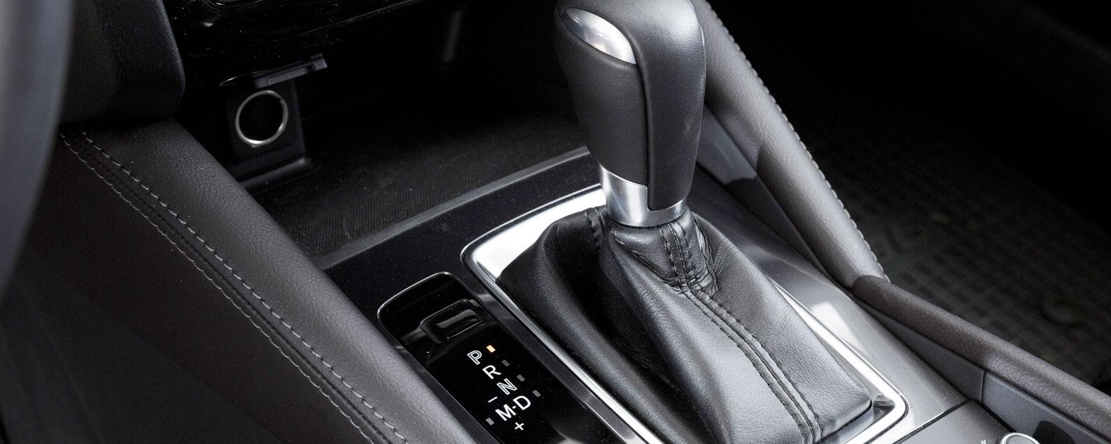 Mazda har 6-stegad automatlåda, AWD och växelpaddlar. Har högsta varvtal av de tre vid 110 km/tim: 2100 v/min.