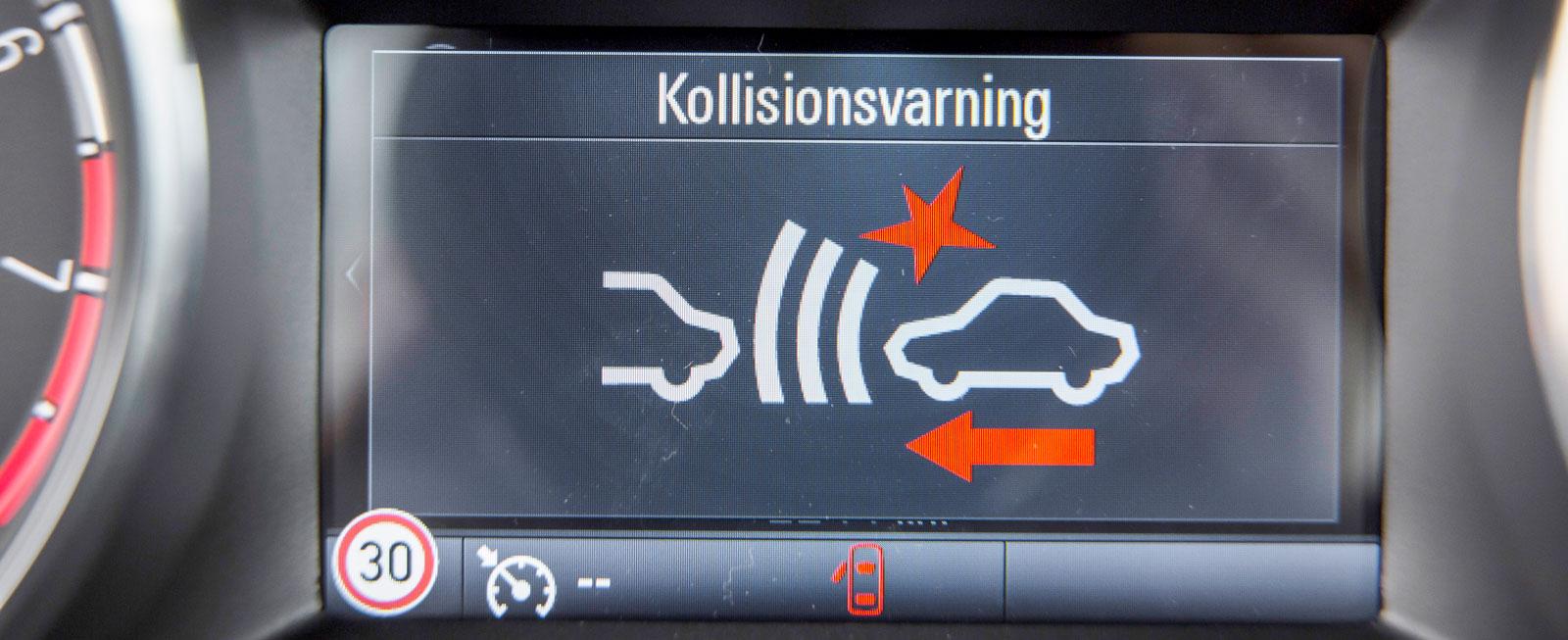 Nya Astra har krockvarning och autobroms som standard på alla modellversioner utom billigaste Essentia.