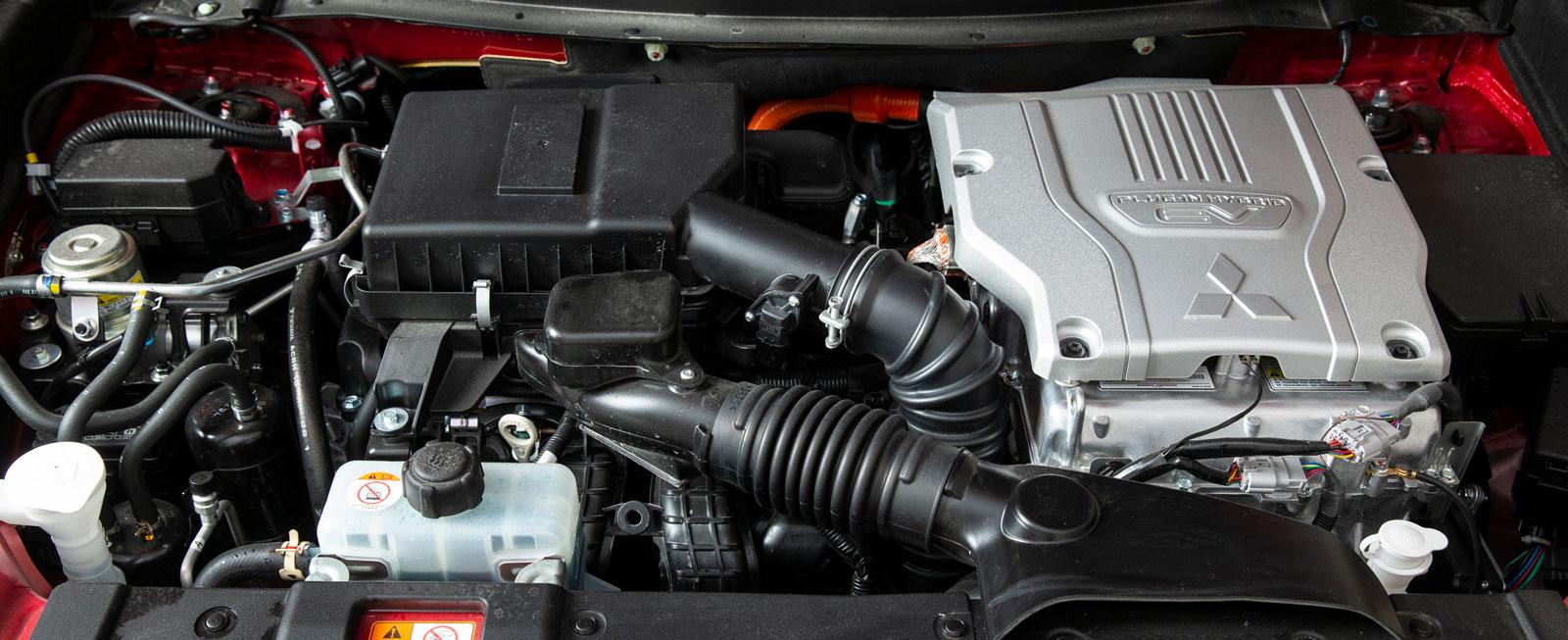 Större och starkare bensin- och elmotorer gör mycket för körkomforten och fyrhjulsdriften, men bensinmotorn hörs tydligt emellanåt. Skiftena mellan bränslena går sömlöst.