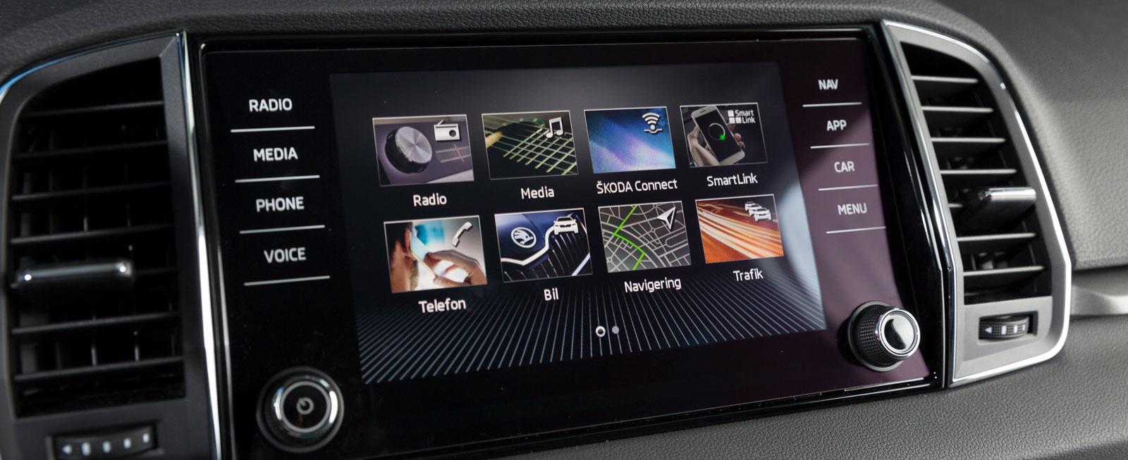 Karoq har fått den senaste versionen av VW:s menysystem. Stor skärm med kristallklar upplösning redan från grundversionen. Mest användarvänlig i testet.