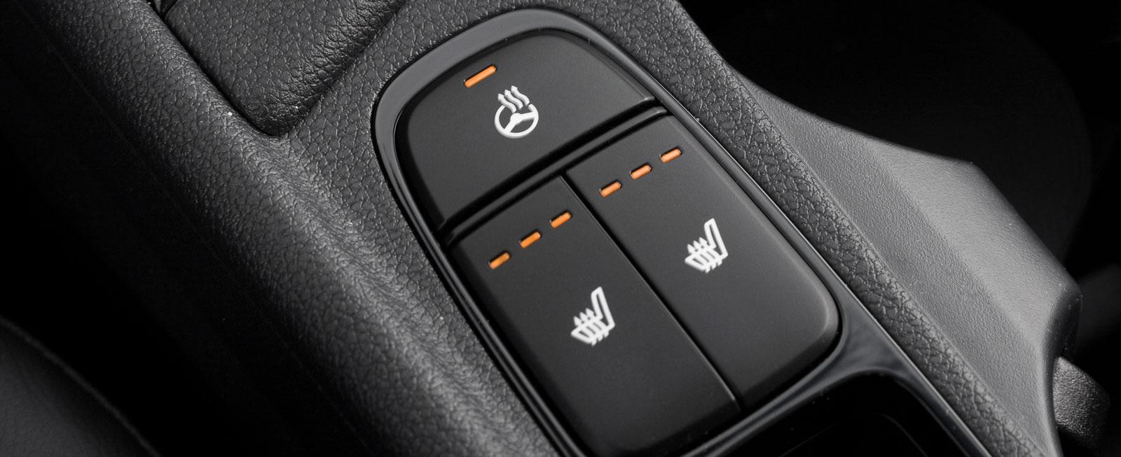 Kia har inte gömt självklara funktioner bakom någon skärm – tack för dessa rejäla knappar!