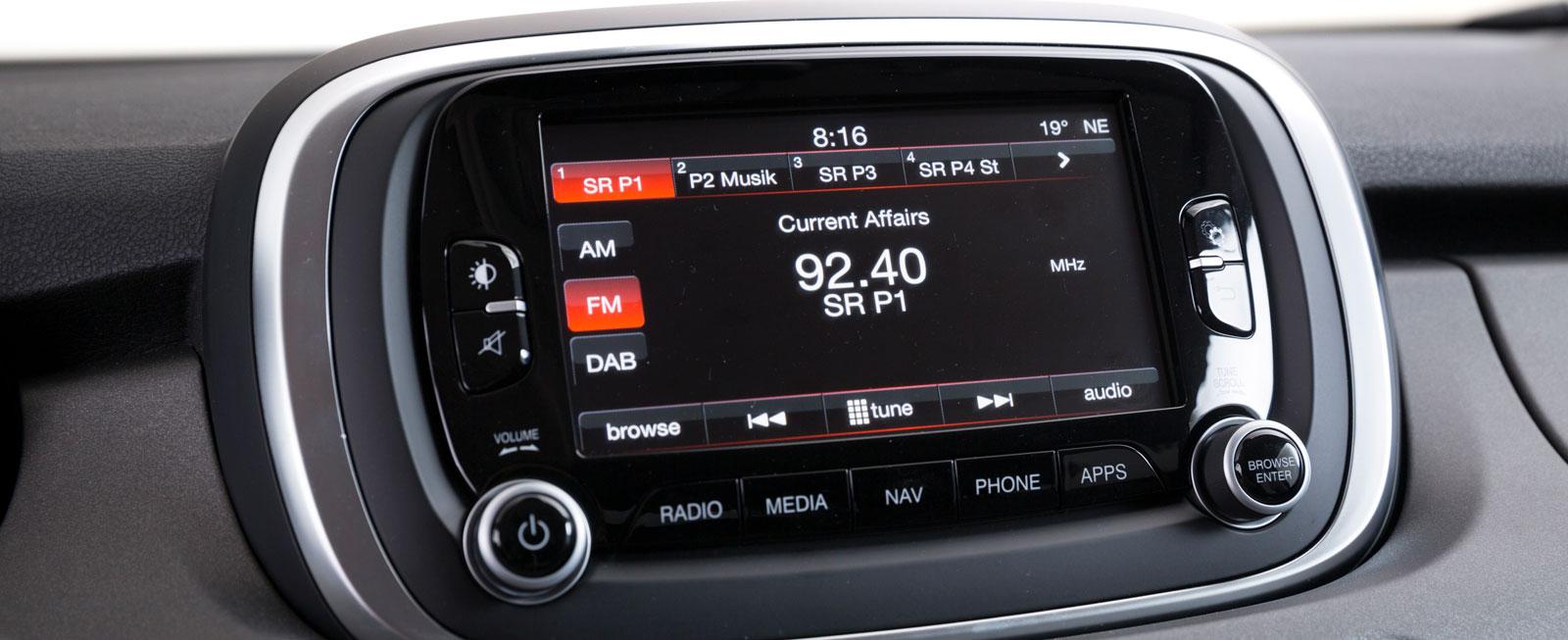 Fiats system är testets bästa, med förhållandevis pigg och tydlig grafik samt enkel skötsel via vred och pekfinger.