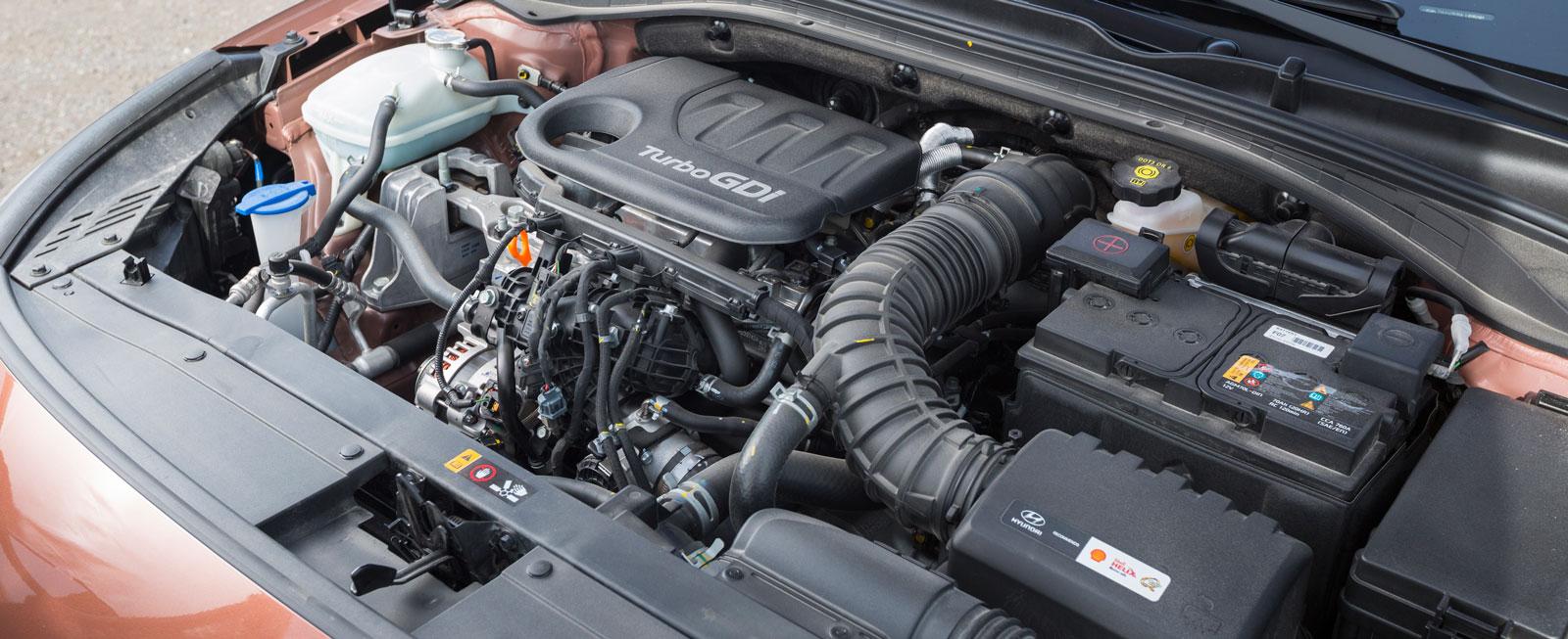 Hyundais trea är en ganska platt och karaktärslös maskin som inte känns alls lika modern som Hondas och Skodas. Dess-utom är bensintörsten klart högre.