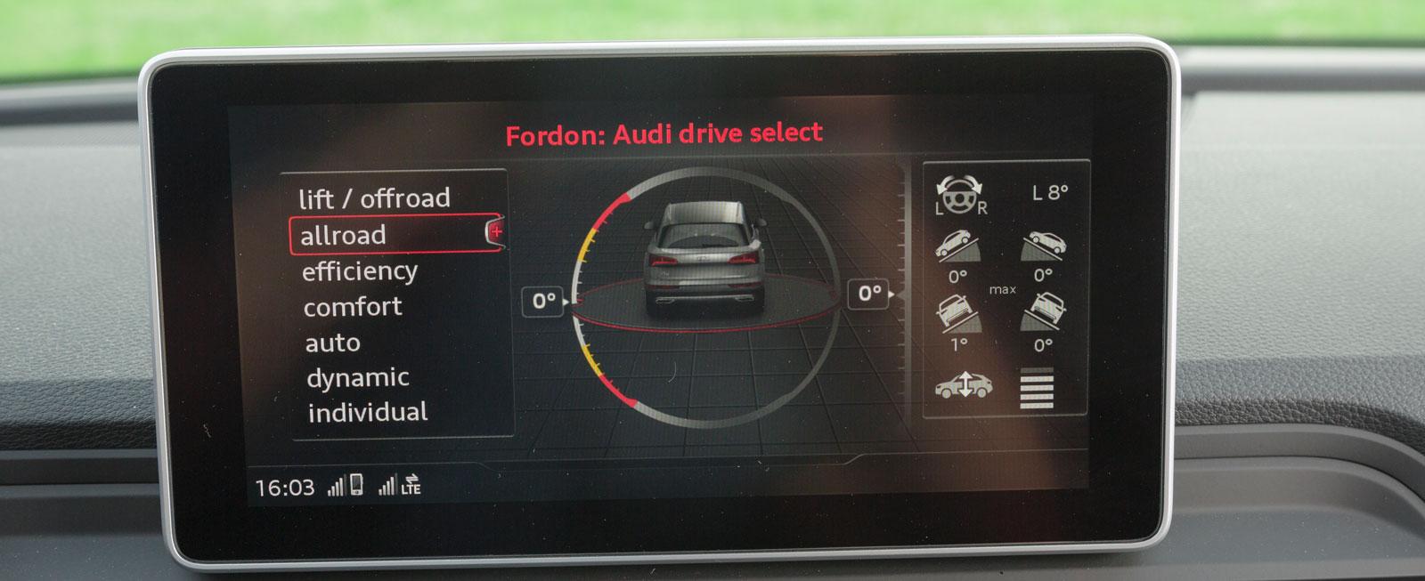 Med extrautrustningen luftfjädring (23700 kronor) kan bilen ställas in i inte mindre än sju olika körlägen. Lutning med mera kan följas på skärmen.
