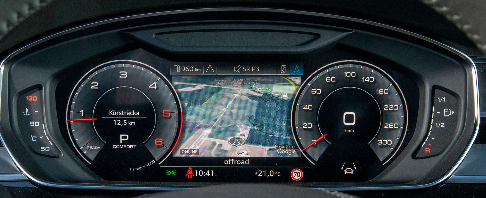 Snyggt, funktionellt och lätt- överskådligt. Audis digitala instrumentkluster kan anpassas på en rad olika sätt. Navigationskartan visas mellan mätartavlorna.
