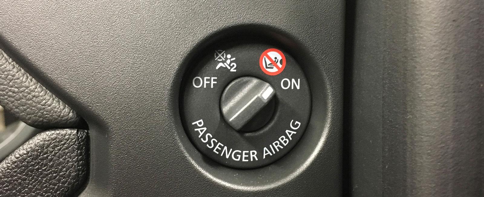 I Renault behövs ingen nyckel till att stänga av krockkudden fram.