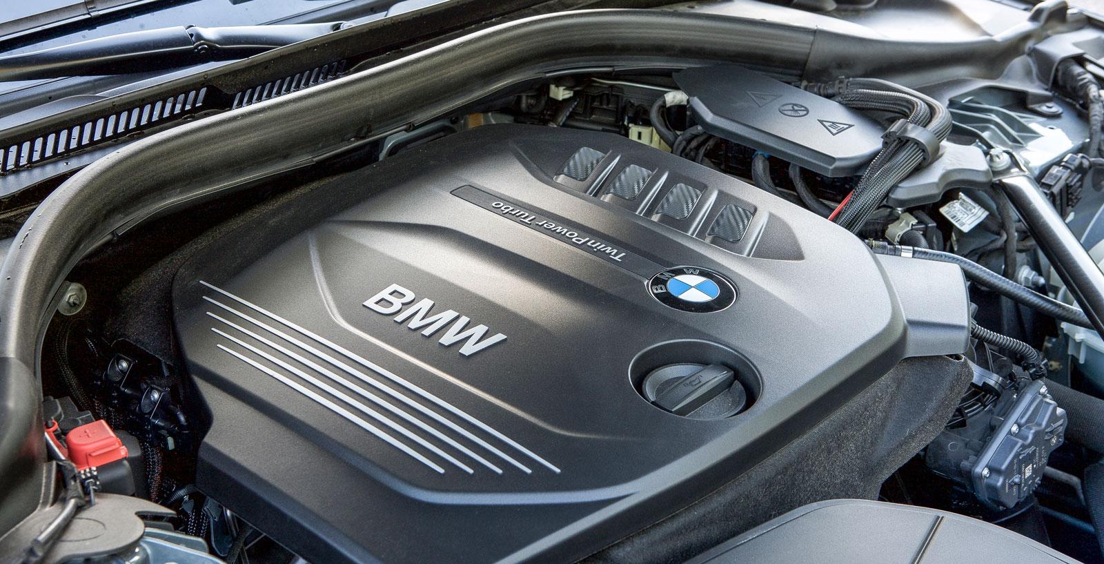 Motorn räcker till i alla situationer och är snål (men inte snålast) på dropparna. Vid gas-pådrag är den testets tystaste.