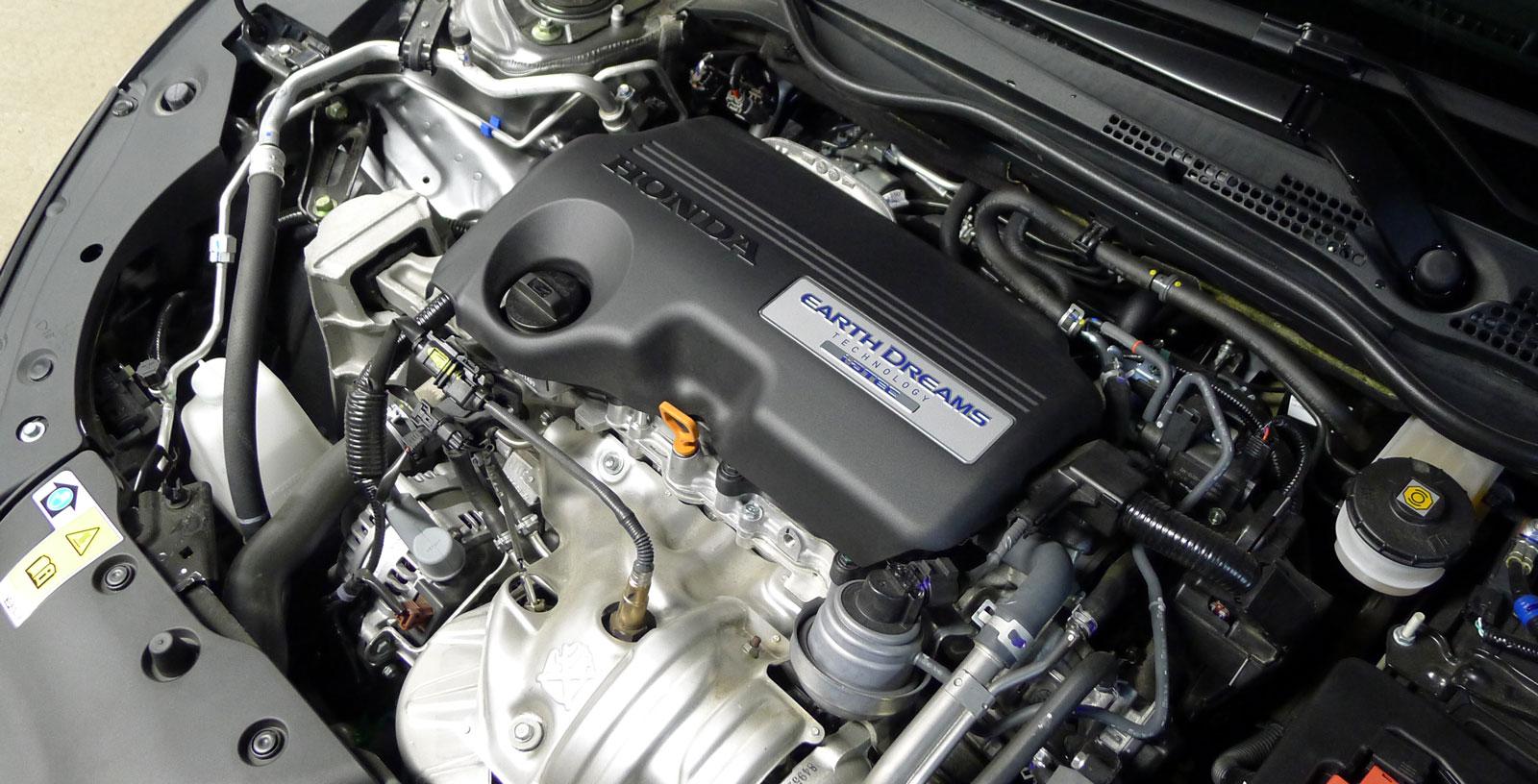 Hondas nya DTEC-maskin dröjde ett år efter debuten för senaste generationens Civic, men var värd väntan. En riktig delikatessdiesel med suveränt mjuk gång, ordentligt vridmoment och piggt temperament.