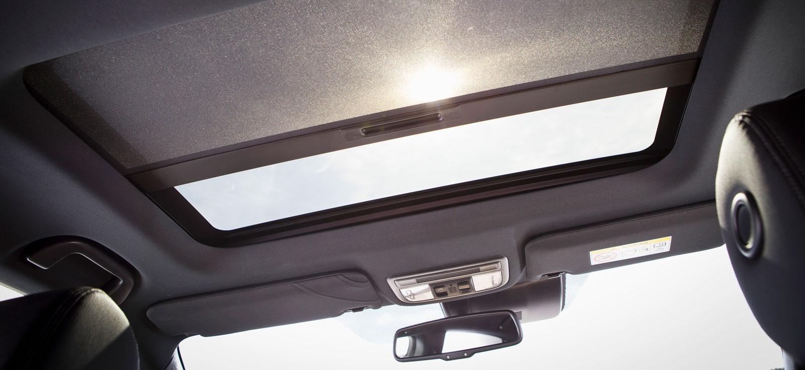 Honda kan inte köpas med panoramatak av glas, men väl med en glastaklucka som är standardutrustning i den testade versionen av modellen.