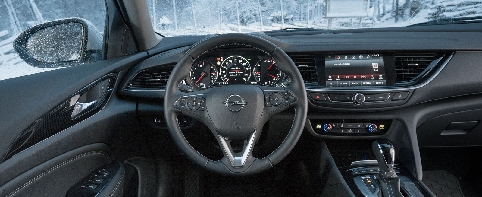 Elegant svängda former, överlag är allting lika tydligt och lättskött som i Audi och VW men klimatreglagen framför växelväljaren är i minsta laget.