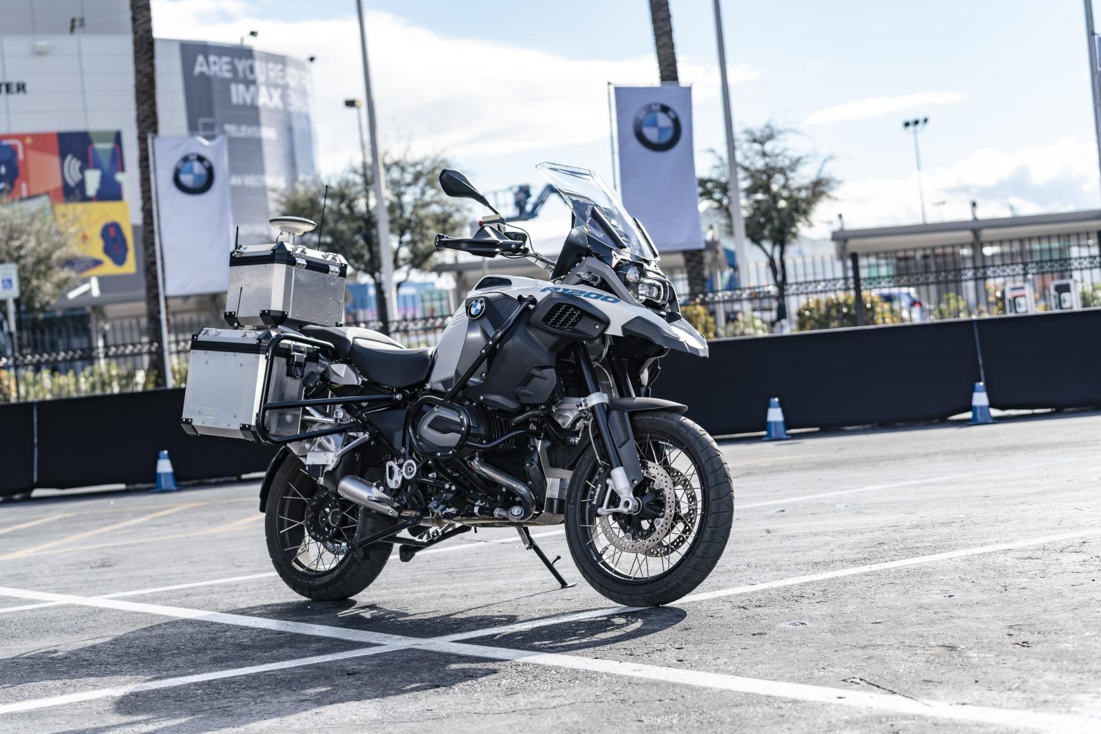 BMW:s självkörande motorcykel