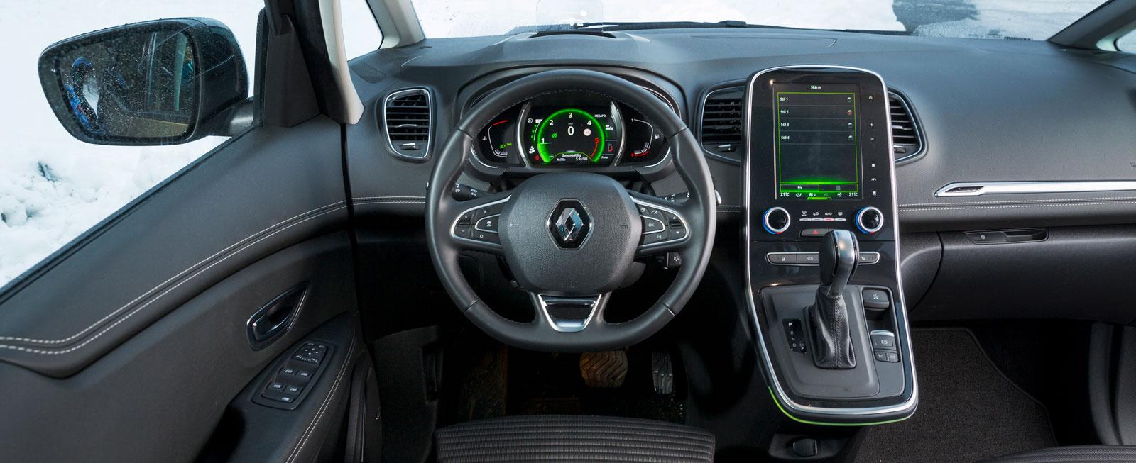 Förarmiljön ser ut som i alla andra nya Renault-modeller det senaste året. Lättöverskådlig, men de digitala menyerna är onödigt tillkrånglade.