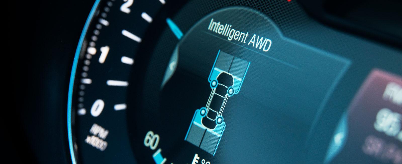 Färddatorn visar hur AWD-systemet fördelar kraften under körning.