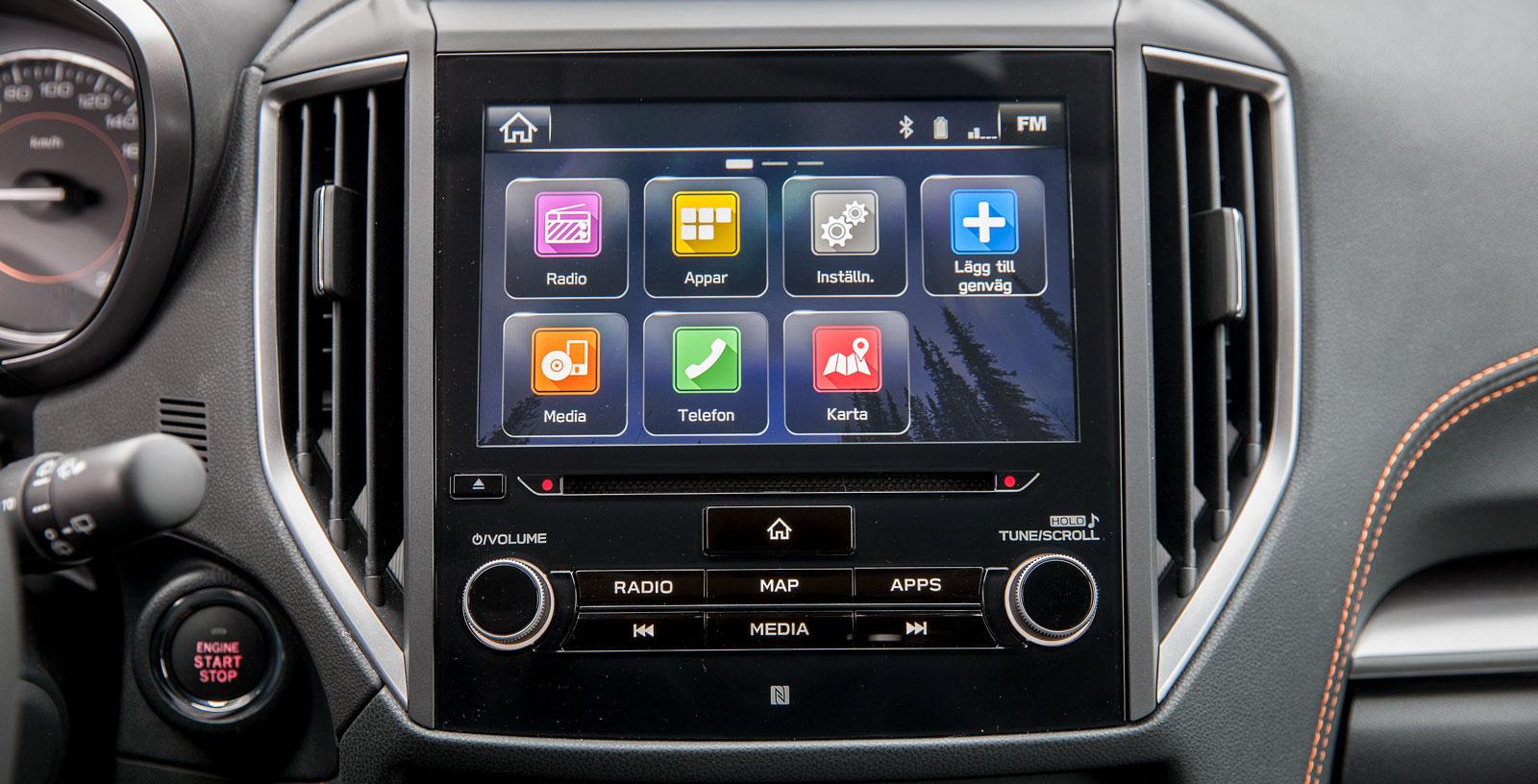 Subaru har ett avancerat system som är standard i XV Summit. Det kan ta lite tid att lära sig till fullo men ger rikliga möjligheter och har klar grafik. Bra knappar.