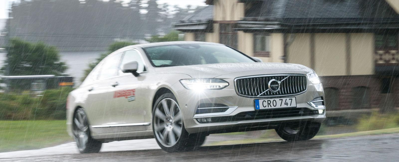 Test: Volvo S90, Mercedes E-klass och Audi A6 (2016)
