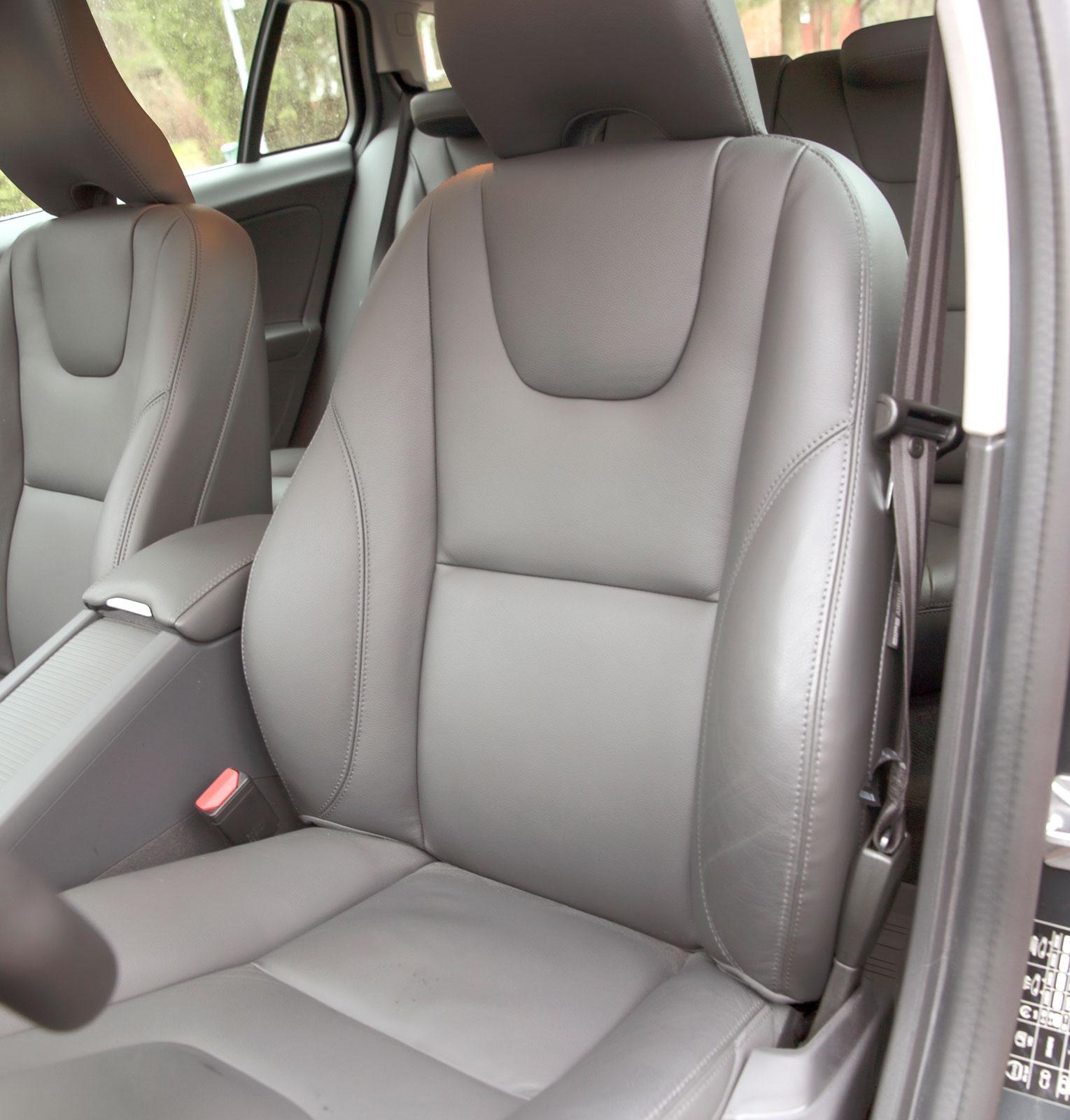 Än en gång höll alla testförare Volvos stolar som de bästa. Mycket inbjudande att slå sig ned i, håller för riktigt långa körpass.