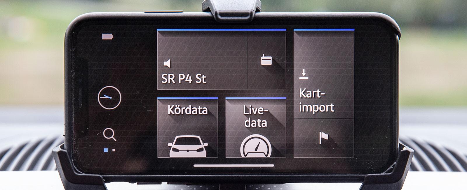 I VW Up får den egna telefonen fungera som me-dieskärm. Tillsammans med VW:s gratisapp Maps & More fungerar systemet lika bra som en fast monterad skärm.