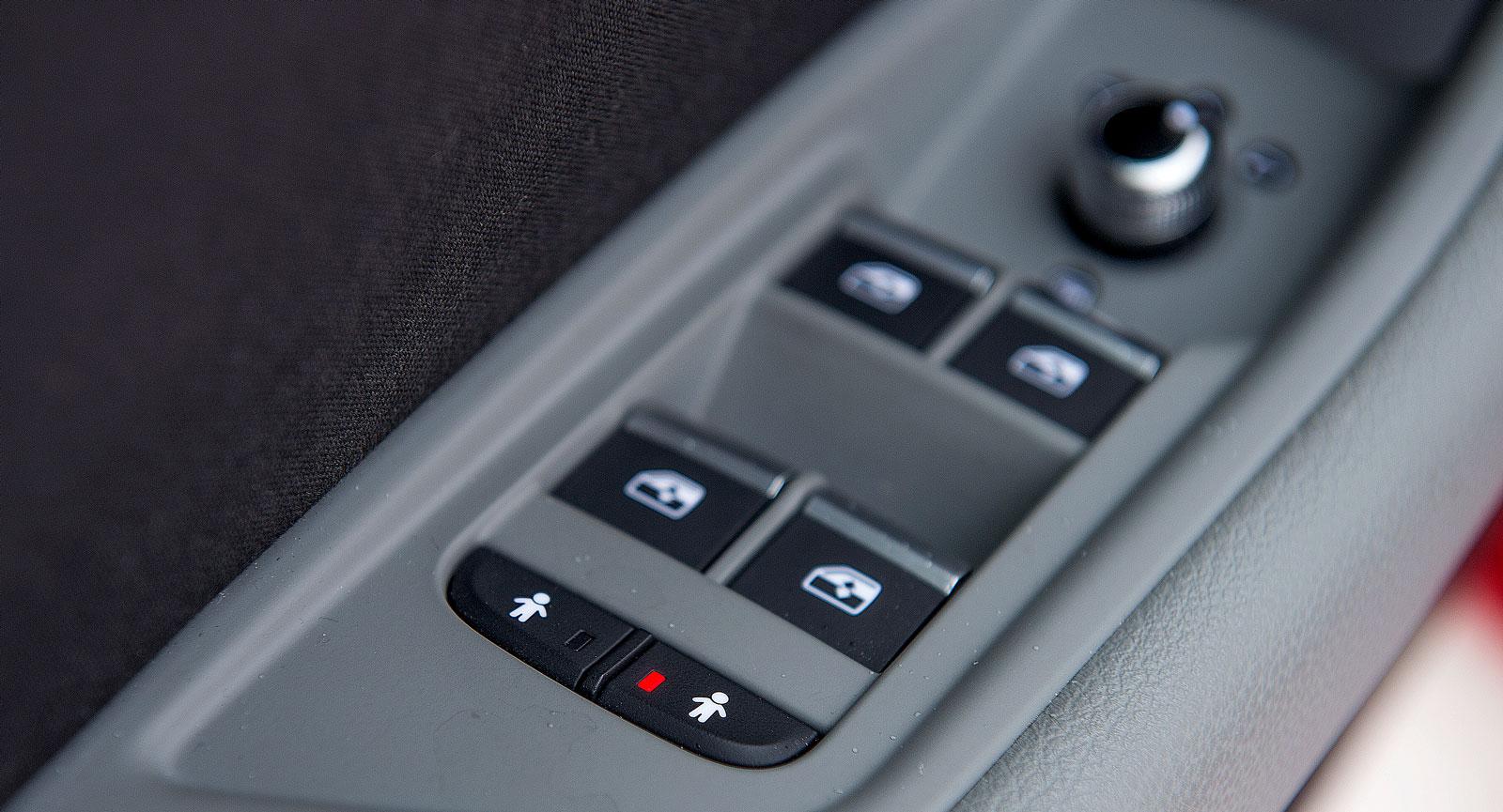 Elektroniska barnlås i Audi uppskattas. Separat uppdelning mellan höger och vänster sida.