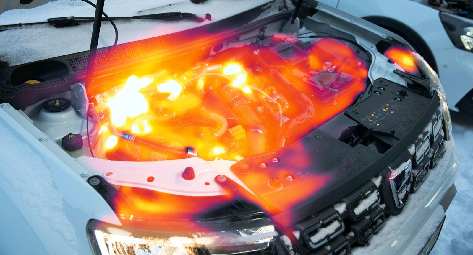 Motorbrand? Nej, en bild mest på skoj för att visa hur fotograf Simons värmekamera ser motorn i Dacia några minuter efter en kallstart.
