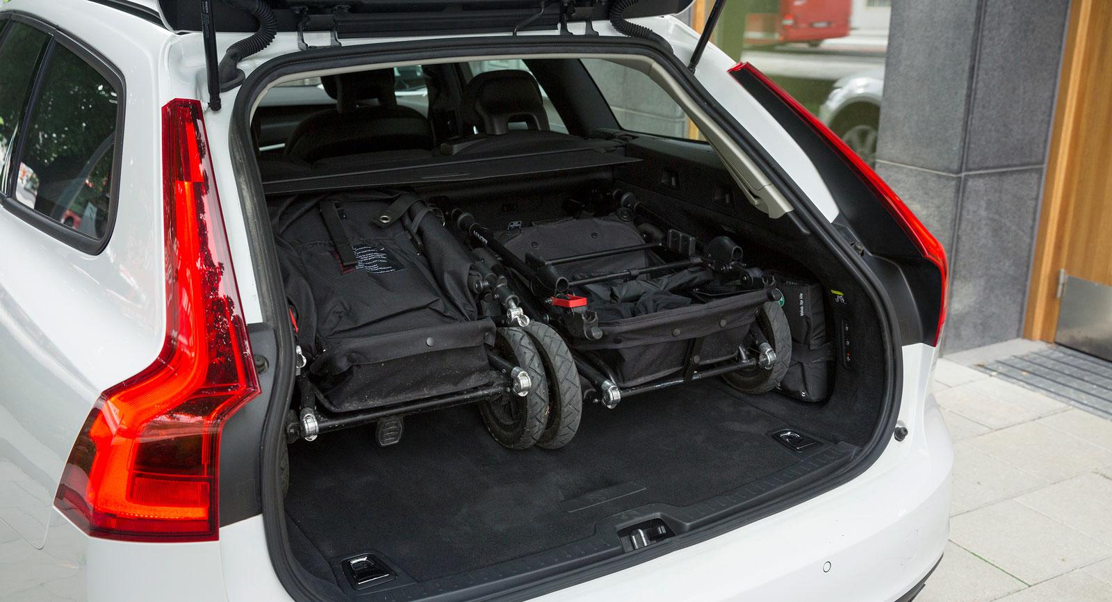 Bara Volvo kan ta två barnvagnschassin i bredd.