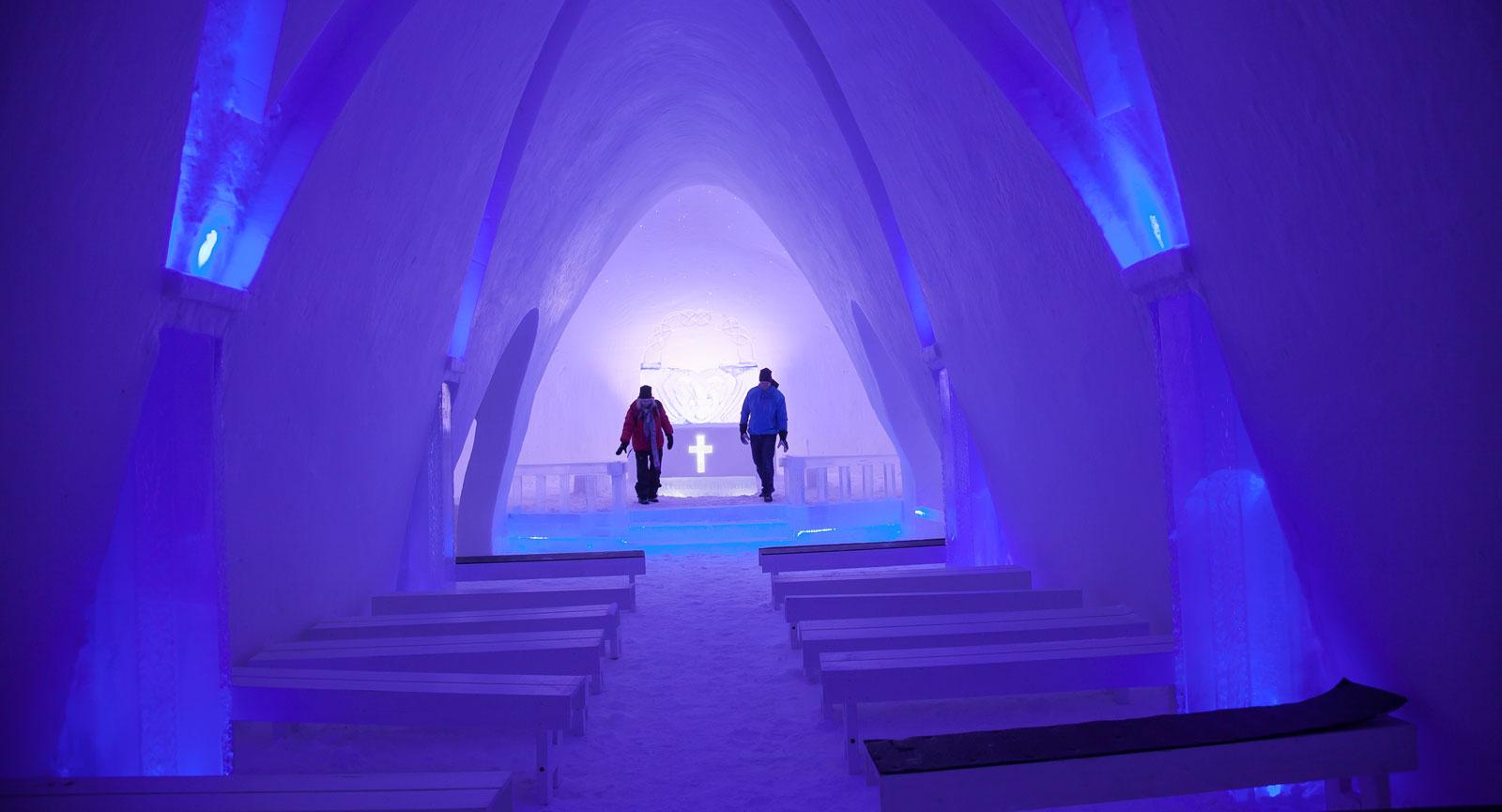 Iskapellet i Hunderfossen är byggt för att ta hand om både kyrklig och borgerlig vigsel.