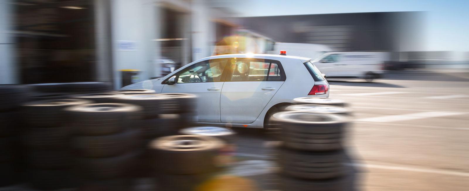 Testet utfördes under fem dagar i södra Frankrike. Totalt gjordes minst 104 däckbyten à fyra däck.