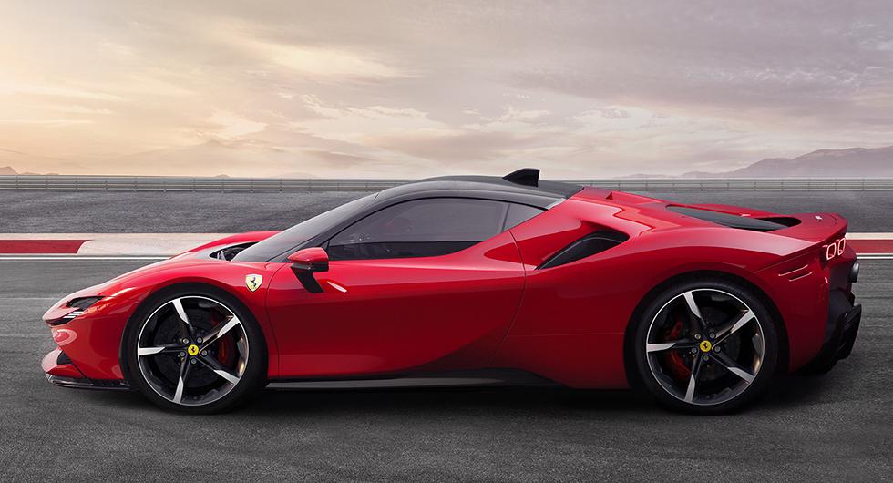 SF90 Stradale första laddhybriden från Ferrari