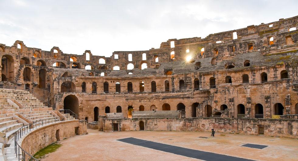 El Djems imponerande amfieteater är från 200-talet och den är väldigt välbevarad.