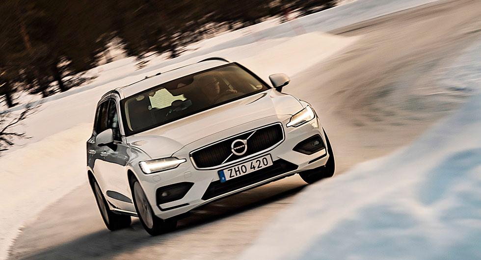 Framhjulsdrivna Volvo V60-bilar användes för att utvärdera köregenskaperna på samtliga underlagstyper.