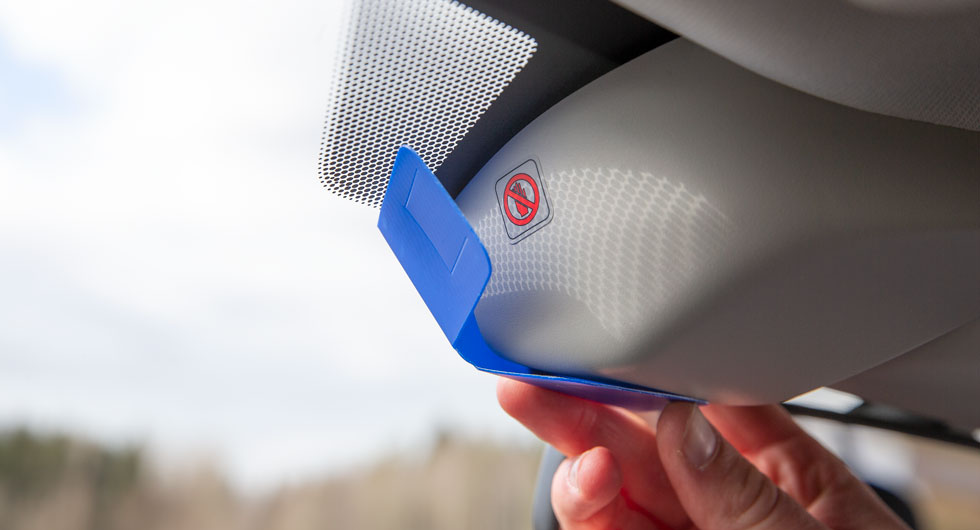 Eyesight-systemet förlitar sig på kamerorna i vindrutans ovankant. Eftersom de är känsliga måste de skyddas med en medföljande plastbit om rutan ska tvättas på insidan.