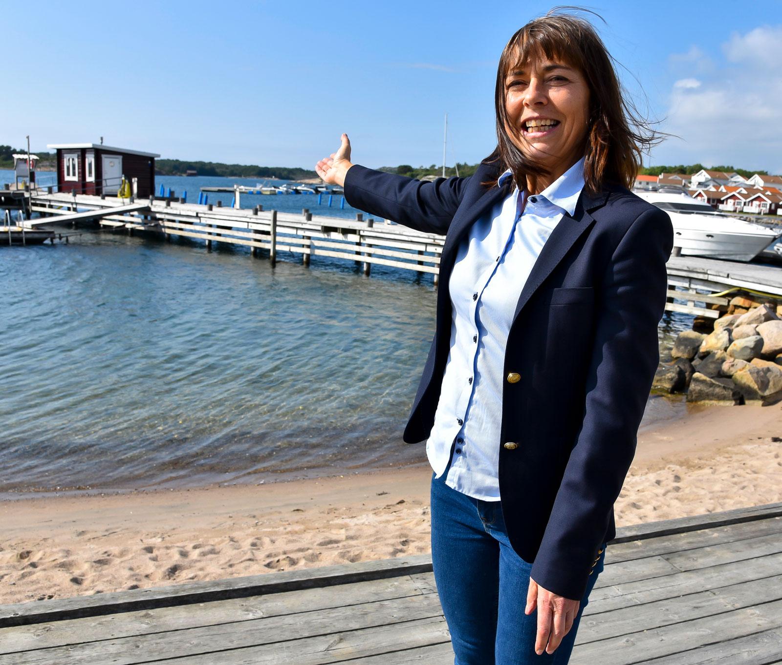 – Där ute har vi en bastu och man kan bada året om i havet. På vintern också, säger Evelina Carlén.