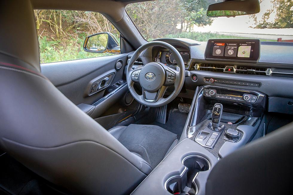 Ratten och instrumenttavlan kommer från Toyota, resten är hämtat direkt från BMW.