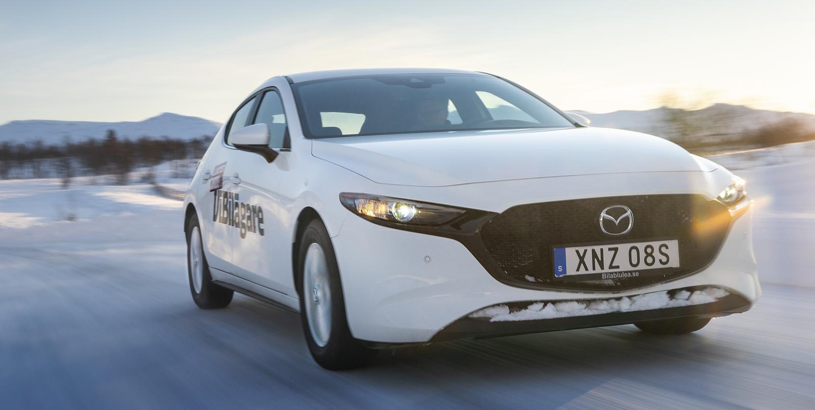 Vintertest: BMW 3-serie, Mazda 3, Renault Clio, Tesla Model 3 och Toyota Corolla (2020)