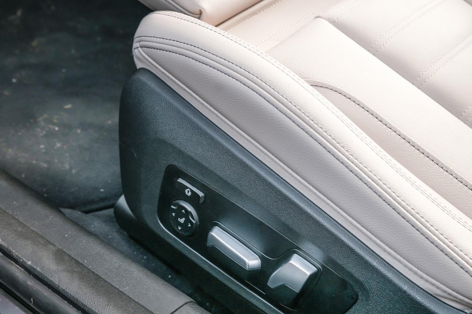 BMW: Svankstöd är tillval och kräver en extra utgift på 2600 kr även på sportstolen.