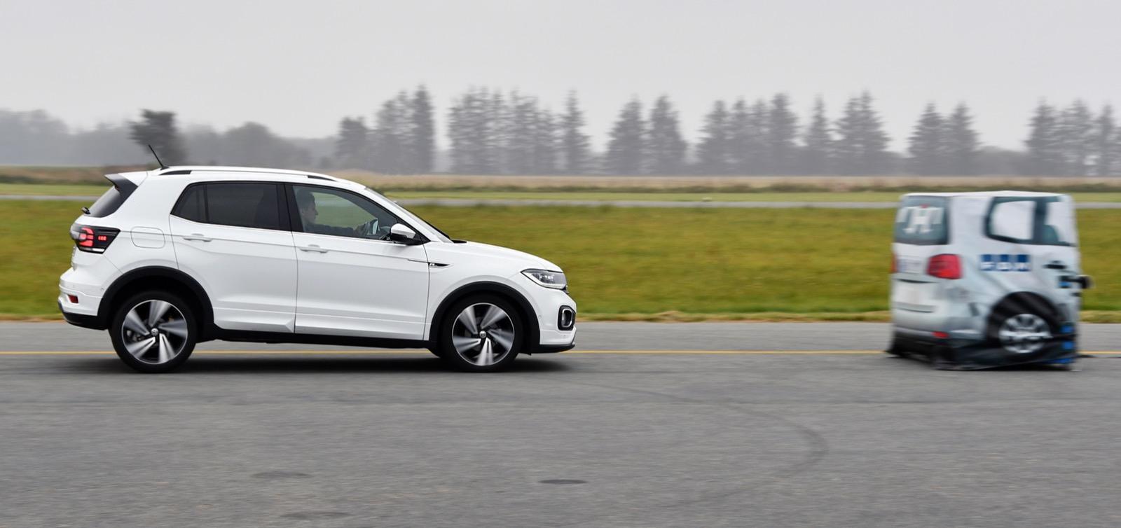 Volkswagen T-Cross undvek en krock i 45 km/tim men klarade inte högre hastigheter än så.