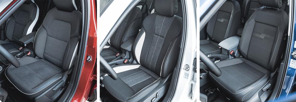 Från vänster till höger. Renault: Sköna, skålade stolar med behaglig tygklädsel och fasta, slanka nackskydd. Rejäl elvärme! | | Skoda: Eljusterbara förarstol i testbilen à 5900 kronor. Elegant men smutskänslig ljus dekorrand. | | Volkswagen:  Både stolsdesign och sittkomfort är närmast utbytbara i de tre testbilarna, men till skillnad från i Kamiq kan inte i T-Cross beställas med eljustering.