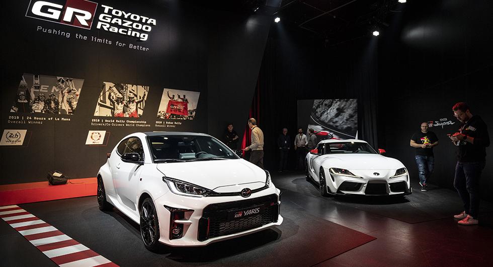 Toyota GR Yaris är en rejält upphottad version av nya Yaris. Trecylindrig turbomotor på 261 hästkrafter, fyrhjulsdrift och manuell växellåda lovar mycket körglädje.