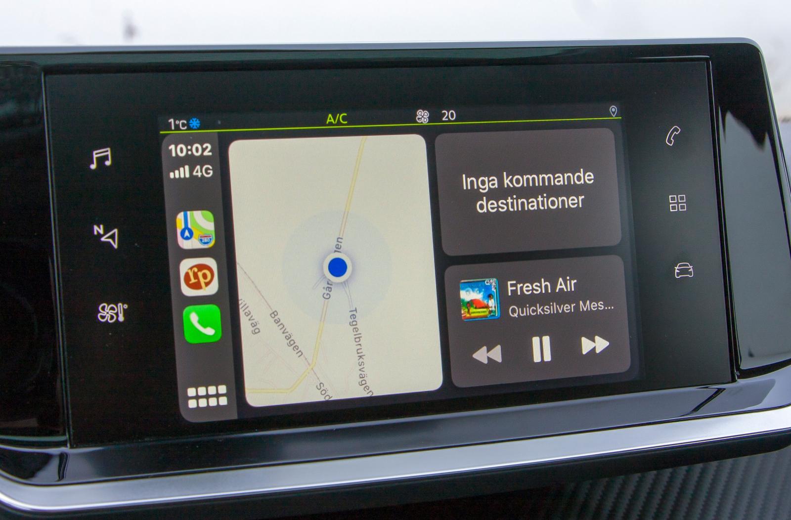 PEUGEOT: Peugeots skärm har använts i åtskilliga modeller. Den är inte särskilt logisk att använda och många funktioner kräver onödigt många steg för att aktiveras.
