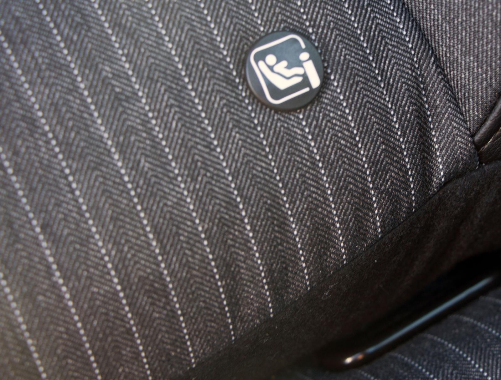 I Renault är Isofix-fästen i främre passagerarstolen standard.
