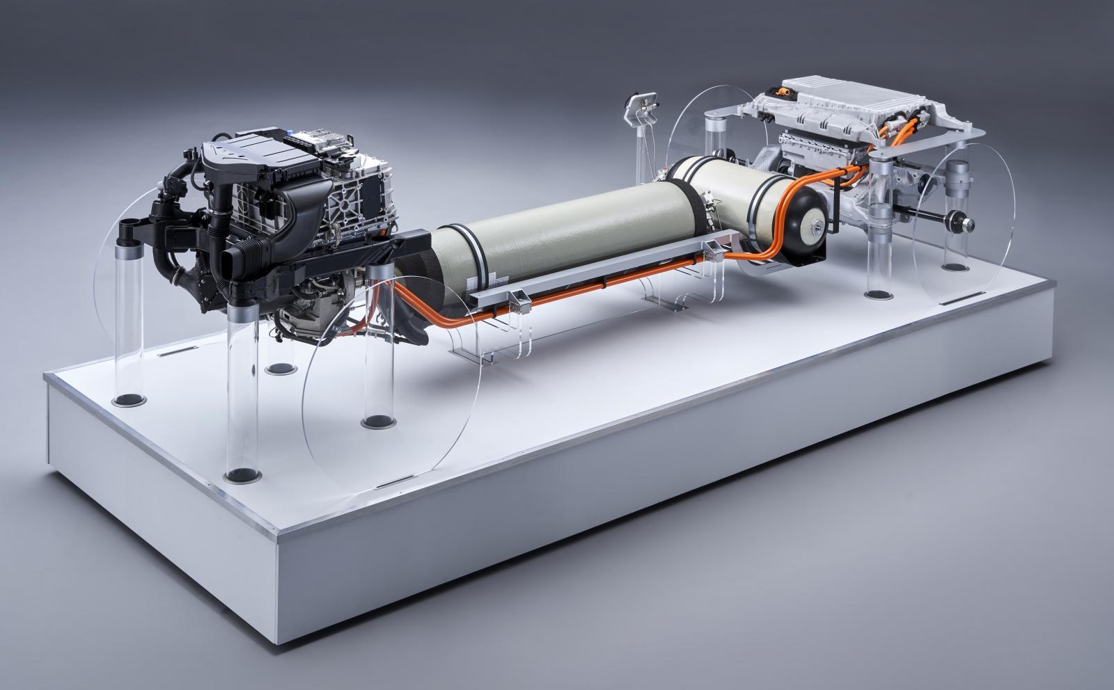 BMW avslöjar fler detaljer om X5 med vätgasdrift