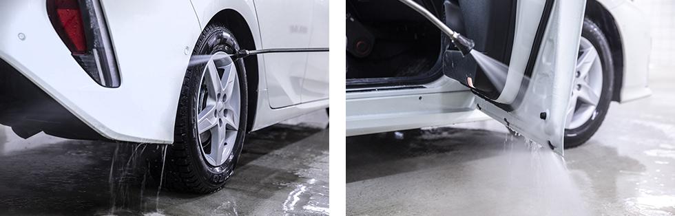 Grus och smuts samlas i hjulhusen. I regel är det lättare att komma åt runt hjulhuset om man inte använder högryckstvätt. || I nederkant av dörrbladen samlar smuts. Med övning kan man använda hötryckstvätten på ett sådant sätt att inget vatten kommer in i kupén.