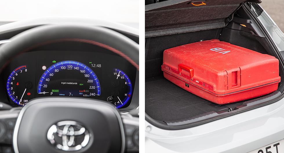 """I Toyotas digitala instrument byts den blå bakgrundsfärgen till röd i körprogram """"Sport"""". Plottrig och svåravläst färddator.  Kort bagagegolv. Här ryms inte resväskan med kortsidan utåt. Smalt mellan hjulhusen. Sväljer minst last i gänget."""