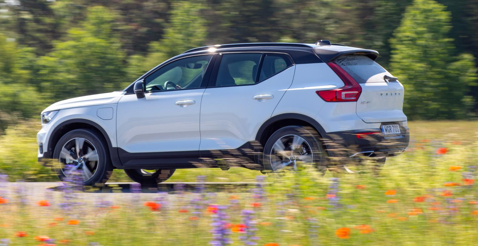 Volvo XC40 får beröm för att vara snålare som laddhybrid än vanlig bensinbil.