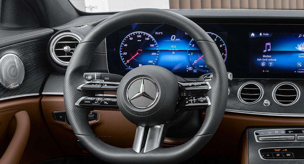Beröringskänslig ratt med svep i Mercedes E-klass