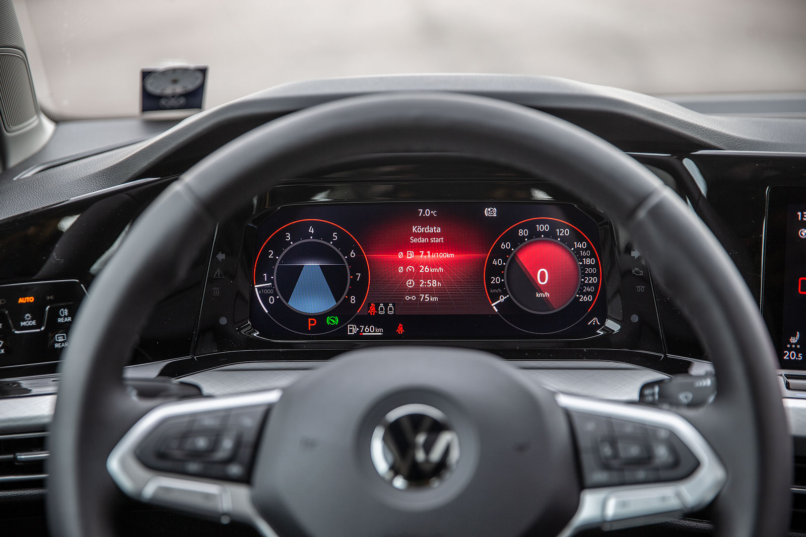 Volkswagen Golf har mycket mer avancerad digital teknik än föregångaren –vilket ställer till med problem i produktionen.
