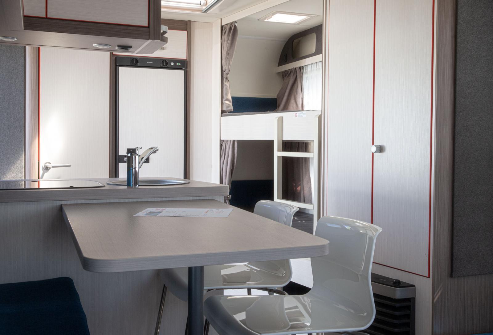 Våningssängar frigör lite extra plats i vagnen och uppskattas ofta av de mindre.